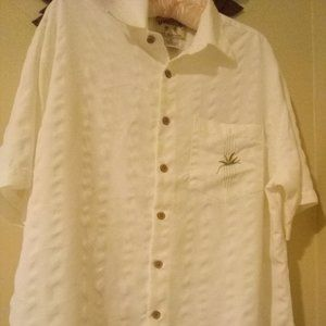 Bamboo Cay Resort Style Button Down Size Medium